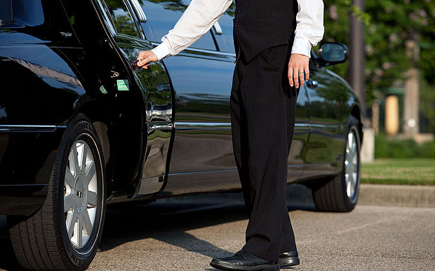 The Perks of Renting an Airport Limo Service